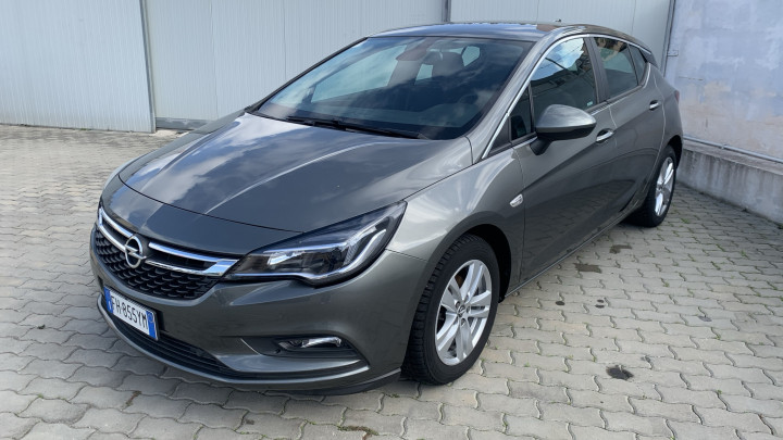Opel Astra Business 855